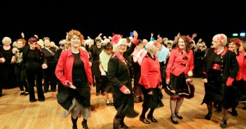 CoisCeim and older people dancing 2