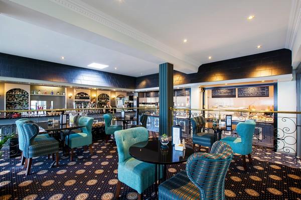 Flannery's Hotel + Bar