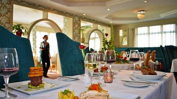 Flannery's Hotel + restaurant